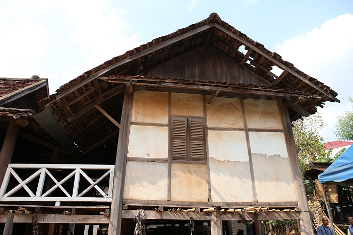 Southeast Asia S Vernacular Architecture Comparative Studies Of Northern Thai Laotian Architecture Seameo Spafa